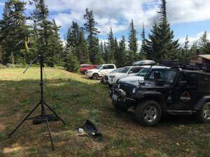 Setting up a field station on the top of Red Mountain with KX3 and Buddie Pole